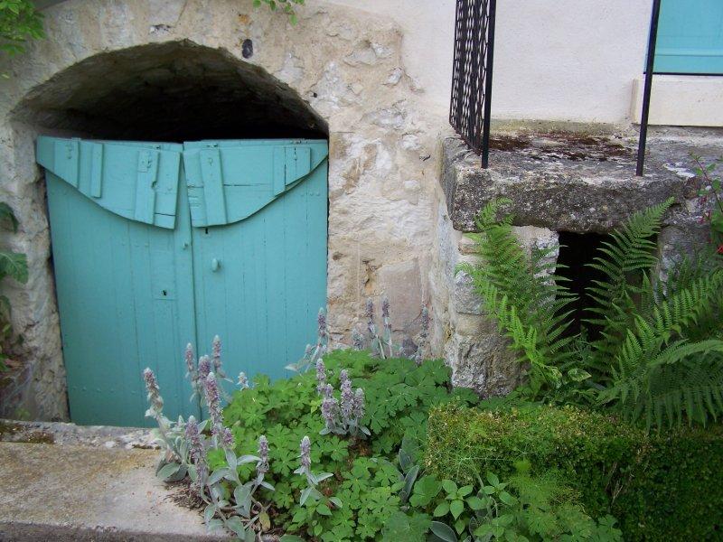 Porte de cave giverny news for Porte cave