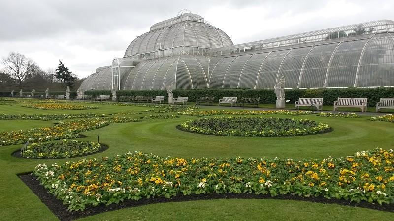 Kew Gardens, la grande serre et le parterre de broderie