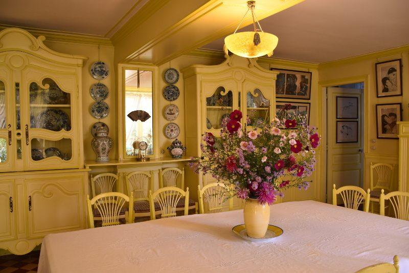 Bouquet dans la salle à manger de Giverny