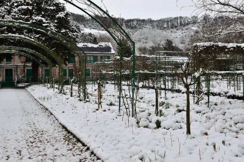 Giverny, Eure. Le jardin de Monet sous la neige.