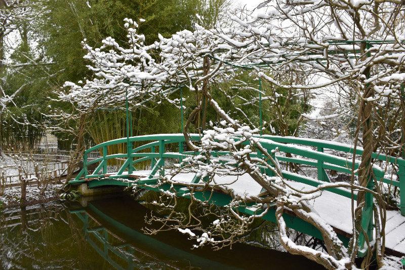 Le pont japonais de Monet sous la neige, Giverny