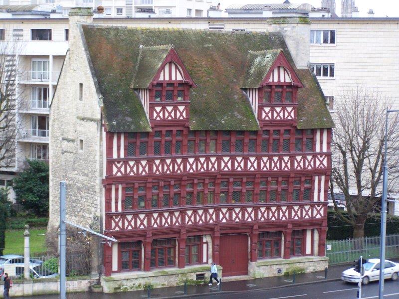 Maison des associations caen avie home for Maison france confort caen